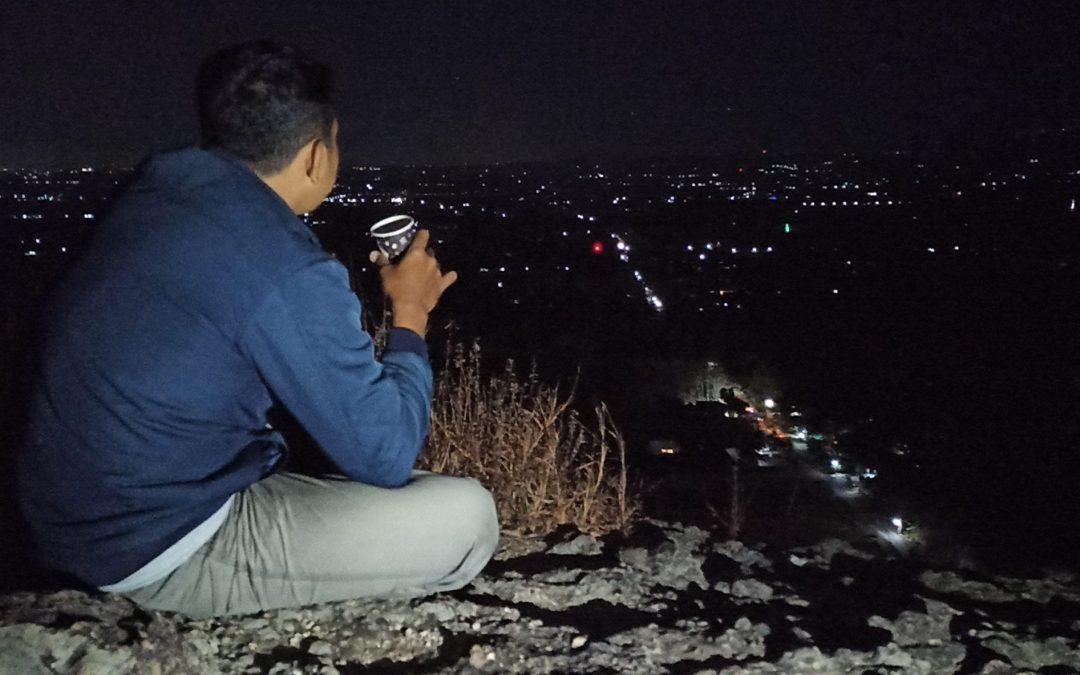 Menikmati Indahnya Malam Ponorogo di Bukit Mingging